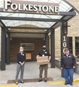 Wayzata Fire Chief donate homemade masks to FolkeStone.